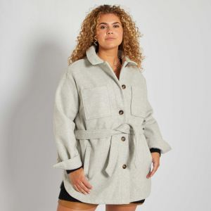Късо дамско палто голям раземр
