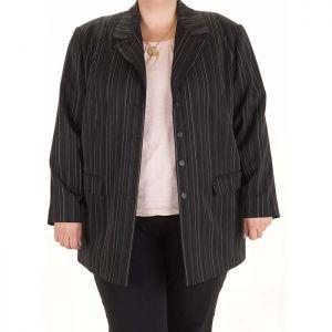 Голям номер елегантно дамско сако