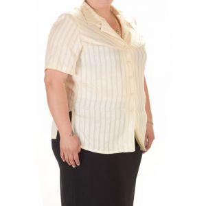 Голям номер дамска риза с къс ръкав